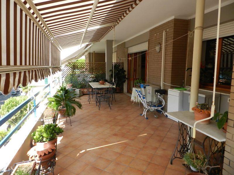 esterno-APPARTAMENTO-in-vendita-Castiglioncello