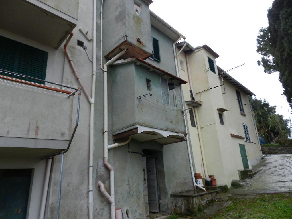 esterno-APPARTAMENTO-in-vendita-Castelnuovo M.dia-R0724
