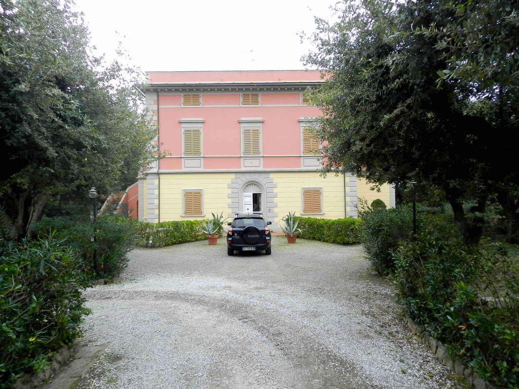 esterno-APPARTAMENTO-in-vendita-Castiglioncello-R0802