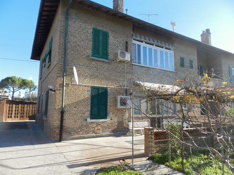 esterno-APPARTAMENTO INDIPENDENTE-in-vendita-Rosignano Solvay-R0130