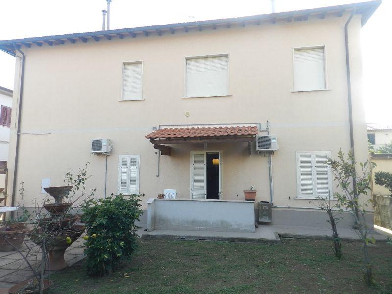 esterno-APPARTAMENTO INDIPENDENTE-in-vendita-Rosignano Solvay-R0540